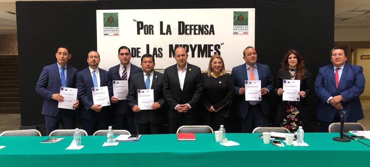"""El C.P.C. Florentino Bautista, Presidente del IMCP, en el Foro """"En defensa de la micro, pequeña y mediana empresa"""""""