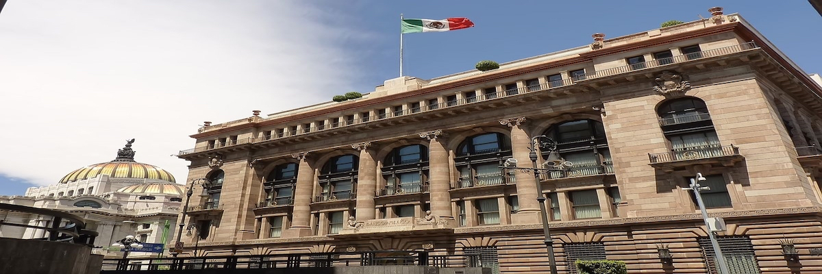 Alza en materias primas ha impactado en la inflación, analiza Banxico.