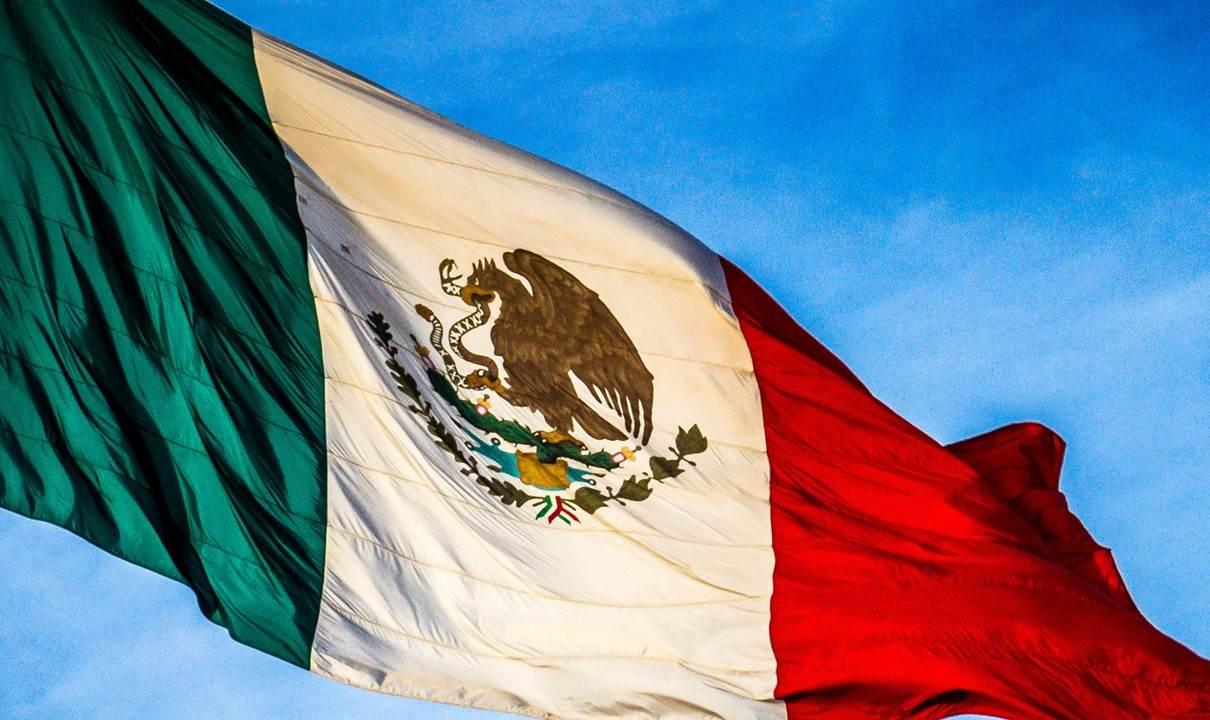 Exportaciones de México bajan 4.6% en agosto, su peor caída en 15 meses.